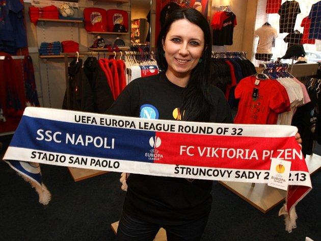 Speciální šála věnovaná zápasu Viktorie Plzeň a Neapole