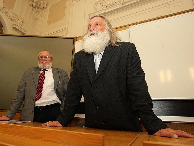 Milan Kindl a Ivan Tomažič (v pozadí)