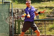 Nejvýše nasazený tenista juniorského turnaje Ex Pilsen Wilson Cup 2015 Patrik Rikl (na snímku) podlehl ve finále italskému hráči Corradu Summariovi 3:6, 5:7.