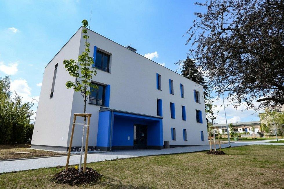 Celkem 77 nových bytů v Zátiší začne sloužit občanům od června. Plzeň dokončila první etapu svého největšího bytového projektu za posledních 15 let.