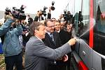 Tramvaj For City pro Prahu ve středu v Plzni pokřtil pražský primátor Pavel Bém