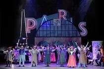 Opereta Pařížský život.