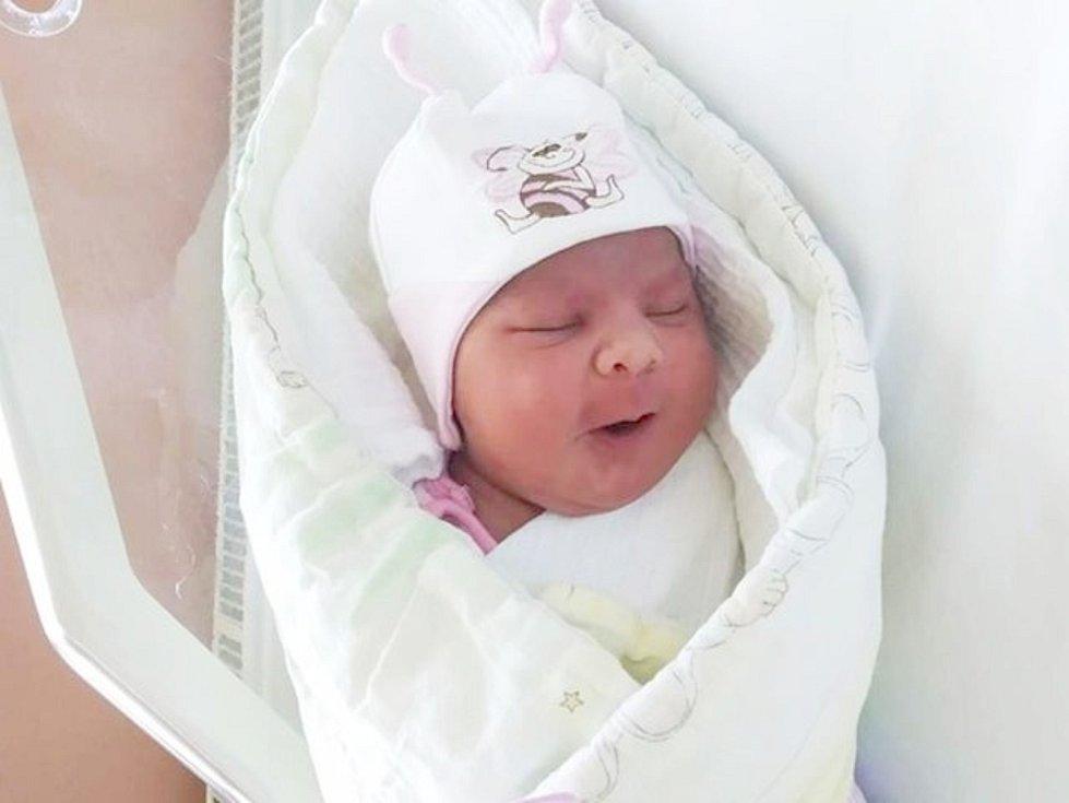 Sofie Moreová z Týnce u Klatov se narodila v klatovské porodnici 11. dubna v 7:35 hodin (4060 g, 55 cm). Na miminko se moc těšili maminka Zdeňka s tatínkem Pavlem a stejně tak i sourozenci Natálka, Dianka a Tádík.