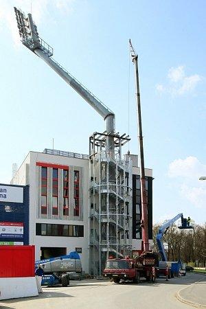 Výstavba první věže stadionu ve Štruncových sadech už finišuje