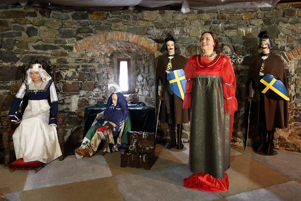 Natáčení Tří oříšků pro Popelku připomněla loni na Švihově výstava kostýmů z této pohádky, slavnostního zahájení se zúčastnil i představitel prince  Pavel Trávníček.