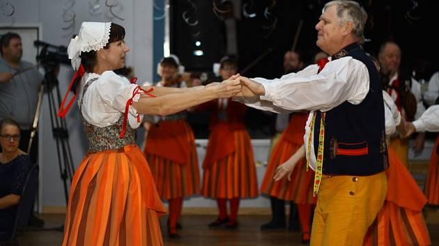 Ples COPS Města Touškova