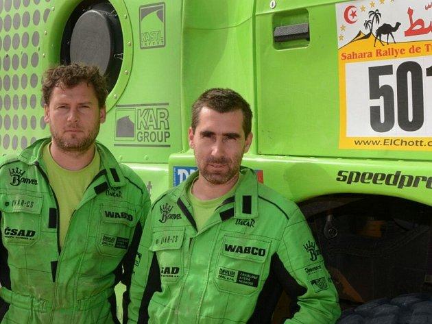 Bratři Kiliánovi (zleva René a David) závod El Chott v Tunisu vyhráli, teď už se chystají na nejnáročnější rallye světa.  Foto:
