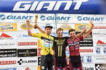 Medailisté letošní Giant ligy - (zleva) druhý Martin Boubal, vítěz Jan Ryba a bronzový Petr Fiala.