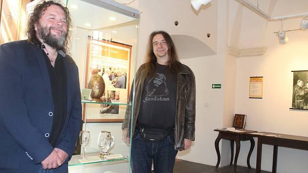 Jan Jirák (vlevo) a Luděk Krčmář připravili pro Muzeum církevního umění plzeňské diecéze výstavu Církev a pivo. Trvá až do konce srpna.
