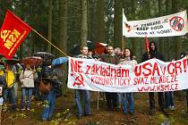 V Míšově demonstrovali komunisté proti radaru americké protiraketové základny.