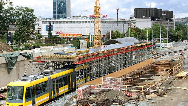 Výstavba nových mostů v Sirkové ulici u hlavního vlakového nádraží v Plzni