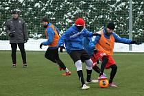 Již od pondělí zahájil přípravu na jarní část sezony juniorský celek FC Viktorie pod vedením trenérů Františka Ševinského a Radka Schveinerta.