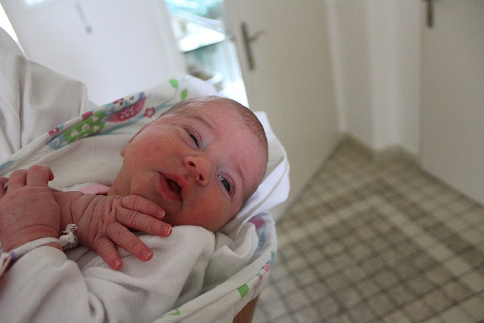 Kristina Janeková se narodila 21. října v 8:10 mamince Janě a tatínkovi Michalovi z Prahy-západ. Po příchodu na svět v porodnici U Malačů vážila sestřička dva a půlleté Isabellky 3100 gramů.