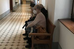Hana Rettová u soudu.