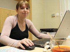 Lucie Kastnerová jezdí do Spáleného Poříčí každou středu, úřaduje od 9 do 17 hodin