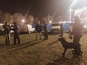 Policisté v centru Plzně dohlíželi na fotbalové fanoušky.