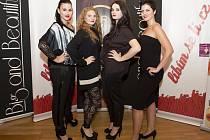 Modelky plus size. Bára Holičová (druhá zprava) je tváří kampaně Miss Plus Size