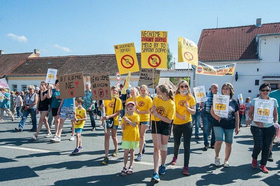 Protest proti jadernému úložišti.