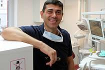 Zubní lékař Ramin  Pojhanmanesh