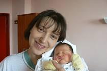 Anna Magdaléna Nováková (3,36 kg, 48 cm) zPlzně se narodila 28. února v10:52 hod. mamince Dagmar a tatínku Petrovi ve FN. Pětiletý Beníček se na brášku už moc těšil