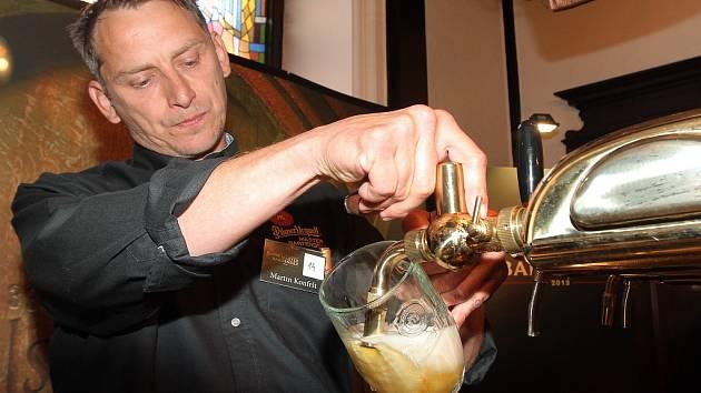 V Plzni se soutěžilo v čepování piva.