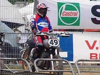 Motokrosař Karel Kozák  z Nýřan (na snímku) obsadil konečnou druhou příčku  v seriálu mistrovství Evropy  motocross classic