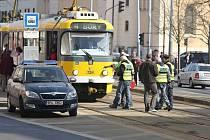 Po nehodě. Na místě hned pracovali policisté.