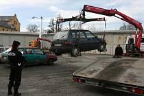 Strážníci odtažené vozidlo zaevidují a umístí na záchytné parkoviště. Tam čeká na svého majitele