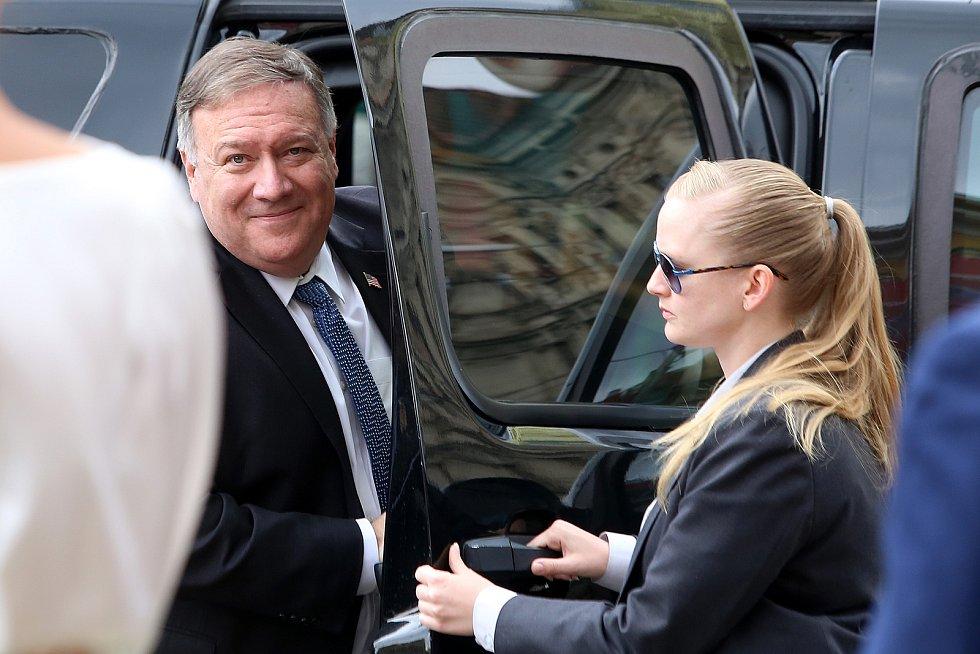 Ministr zahraničních věcí Tomáš Petříček navštívil v úterý 11. srpna 2020 společně s ministrem zahraničních věcí USA Mikem Pompeem Plzeň. Během návštěvy položili věnce k památníku Díky, Ameriko!