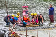 Plavba netradičních plavidel po řece Radbuze se splutím jezu U Mráčku