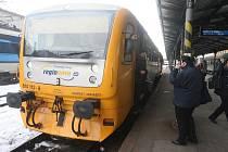 Nová linka jezdí několikrát denně mezi stanicemi Blovice a Kozolupy