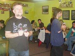 Šipkařský vánoční turnaj se v závěru roku 2012 konal už popáté. Síly při něm změřilo třiadvacet hráčů