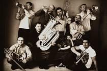Czech Brass - to je seskupení hudebníků okolo trumpetisty Marka Zvolánka, které v rámci Smetanovských dnů vystoupí v sobotu 12.  března od 19 hod. v Návštěvnickém centru Plzeňského Prazdroje