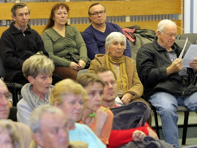 Diskuze o oživení centrálního parku na Lochotíně