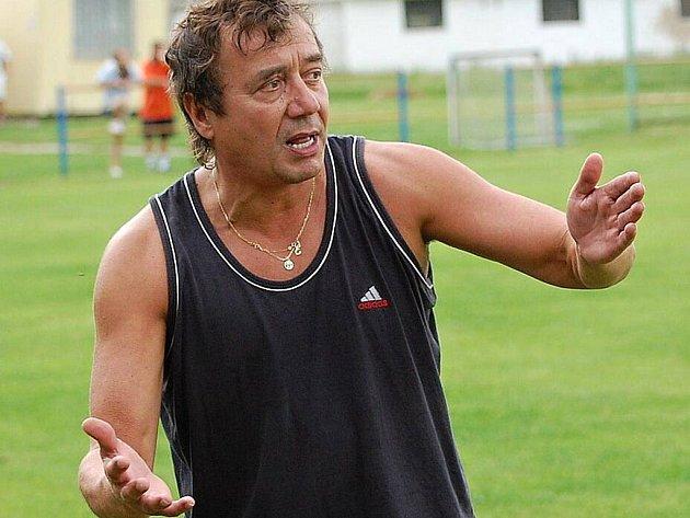 Bývalý fotbalista Škody Plzeň snil o trénování mládeže, v civilu se živí jako finanční poradce.