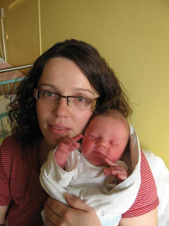 Martině a Jiřímu Fialovým z Horní Břízy se 31. prosince sedmnáct minut před půlnocí narodil v Mulačově nemocnici syn Samuel (3,45 kg/51 cm), který byl posledním narozeným miminkem na Plzeňsku v roce 2008. Doma se na svého brášku těší tříletá Terezka
