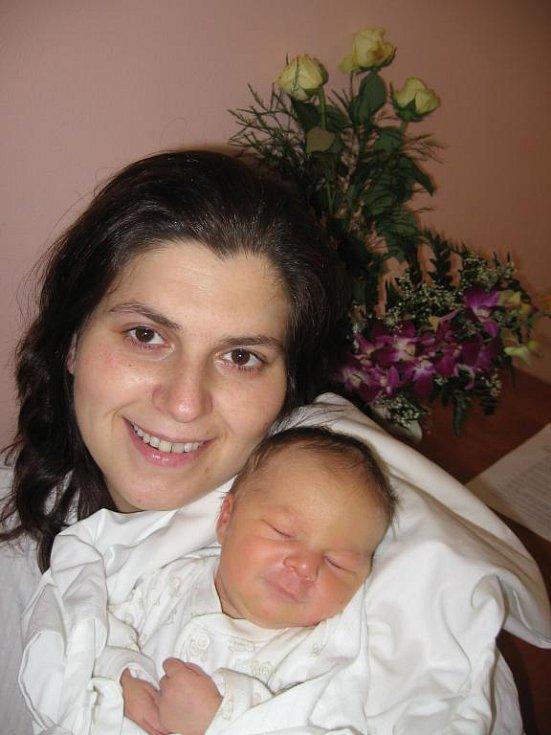 Andree Kohoutové a Patrikovi Vrábelovi z Plzně se 29. prosince v 8.19 hod. narodil ve FN v Plzni prvorozený syn Kristián (3,40 kg/50 cm). Novopečený tatínek čekal na porod v předsálí porodního sálu a měl velkou radost z prvního pohledu na syna