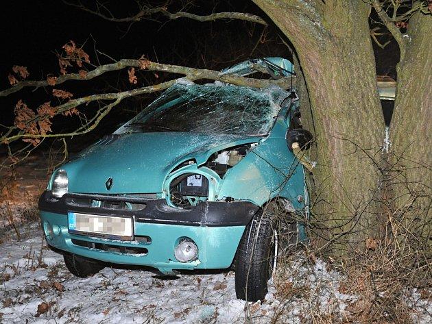 U Nýřan zemřel v noci čtyřiatřicetiletý řidič