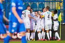 JE TO TAM! Fotbalisté Viktorie Plzeň se radují z branky Radima Řezníka, která rozhodla o jejich vítězství 1:0 v Liberci. Už ve čtvrtek je čeká úvodní pohárové utkání s CSKA Sofia.