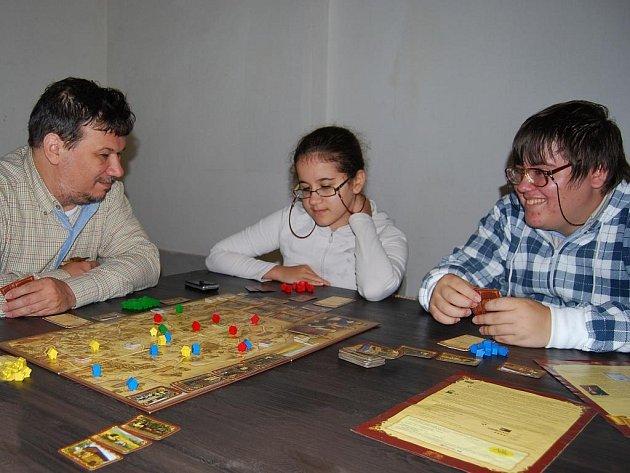 Ve městě Plasy na Plzni-severu se v sobotu od 10 do 18 hodin konala akce Klášterní hraní. Všichni návštěvníci si zde mohli zahrát nepřeberné množství deskových her.