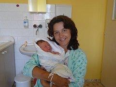Rodiče Kateřina a Roman Vitákovi se radují ze Štěpána (3,45 kg, 52 cm), který se narodil 3. srpna ve 4:40 v plzeňské Mulačově nemocnici. Doma se na brášku již těší jeho sourozenci