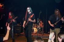 Plzeňská blackmetalová kapela Trollech při jednom ze svých koncertů