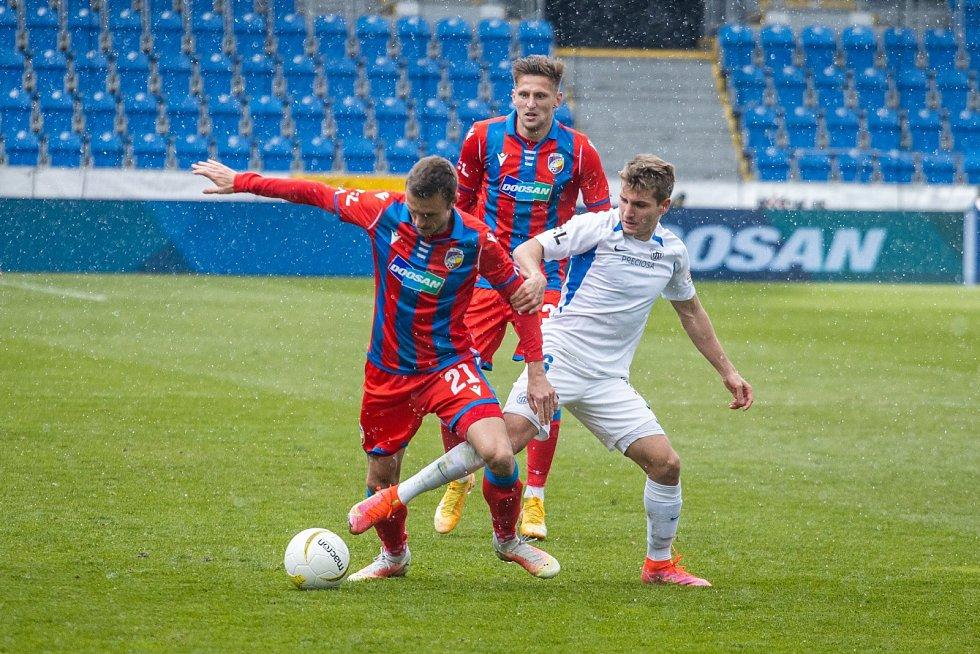 Šimon Falta vs. liberecký Sadílek v MOL Cupu.