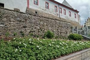 Zámek v Horažďovicích a okolí s geoparkem.
