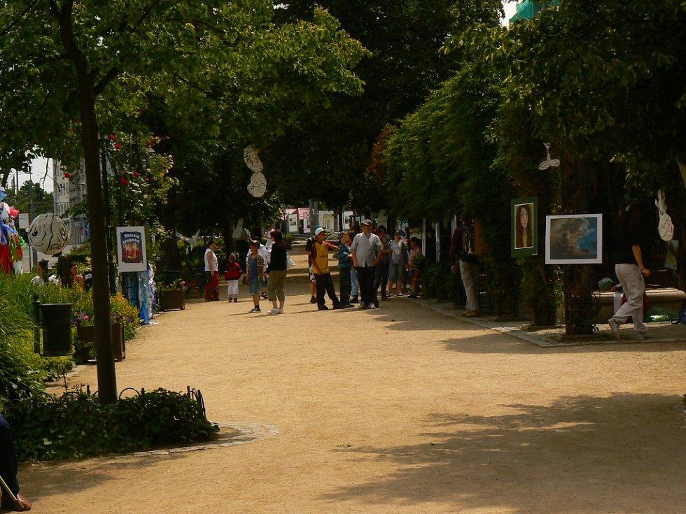Živelná zahrada - výstava ZUŠ Trnka v centru Plzně