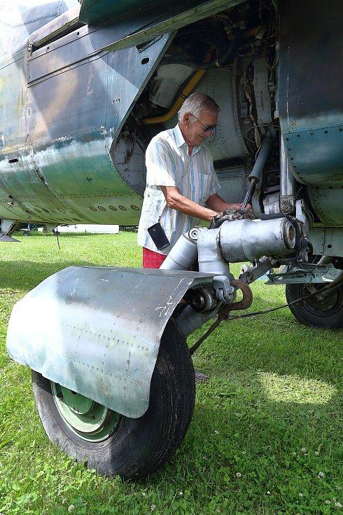 Dva cvičné MIGy-23 AČR havarovaly u obce Herálec na prakticky shodném místě. První v roce 1996 a druhý 1998. Ostatní stroje MIG-23 armáda vyřadila v roce 1998.