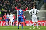 Fotbalisté Viktorie Plzeň zvítězili v pátém duelu skupinové fáze věhlasné a milionářské Ligy mistrů v Lužnikách nad CSKA Moskva 2:1.