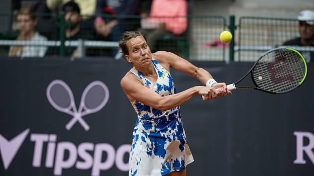 V červenci se představila tenistka Barbora Strýcová na charitativní sérii Tipsport Elite Trophy v Prostějově, teď bude hrát turnaj okruhu WTA v Ostravě.