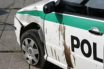 Konec honičky policejního vozu a odcizeného Fordu Fiesta