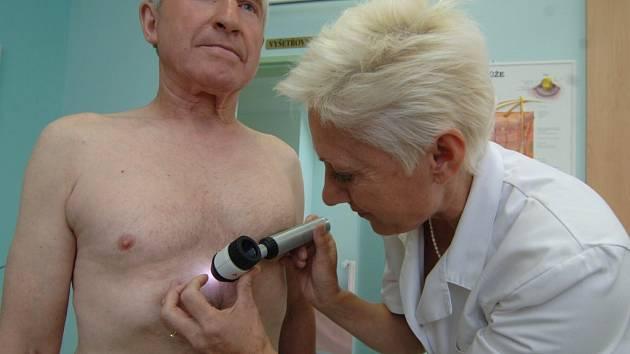 Mezi lékaři, kteří prováděli vyšetření na přítomnost rakovinného nádoru, byla i plzeňská kožní lékařka Gabriela Chaloupková, která měla plnou čekárnu